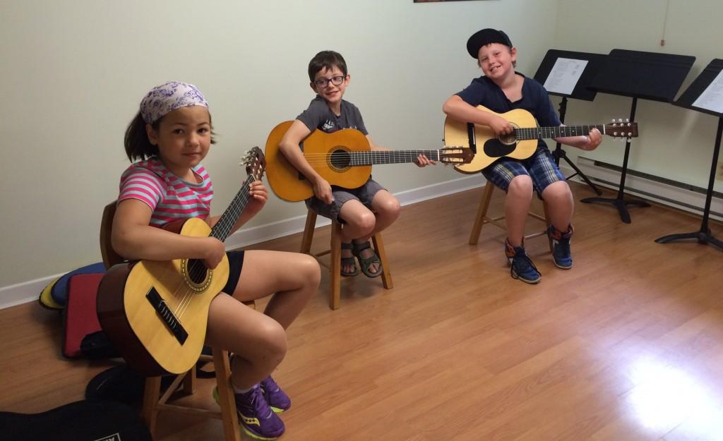 Initiation à la guitare - Académie de musique Archets & Compagnie